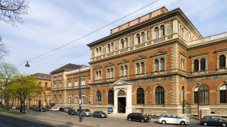 Gmach Museum fur Kunst und Industrie w Wiedniu (wg. projektu Heinricha von Ferstela), fotografia