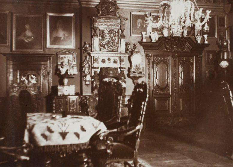 Sala Gdańska w Waplewie Sierakowskich, pocz. XX wieku, reprodukcje udostępniane na profilu Facebookowym Muzeum Tradycji Szlacheckiej w Waplewie