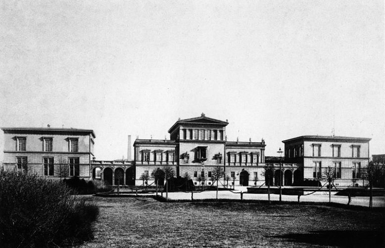 Pałac A. Raczyńskiego przy Exercierplatz w Berlinie, fotografia, Friedrich Albert Schwartz, 1876, źródło: Wikipedia, Domena publiczna